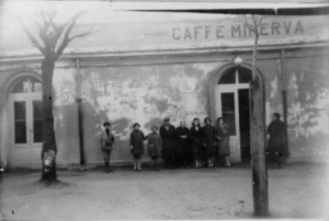 caffé minerva in Monteleone Calabro, oggi Vibo Valentia