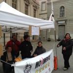 13 aprile 2013, banchetto in Piazza Prefettura del M5S di Catanzaro
