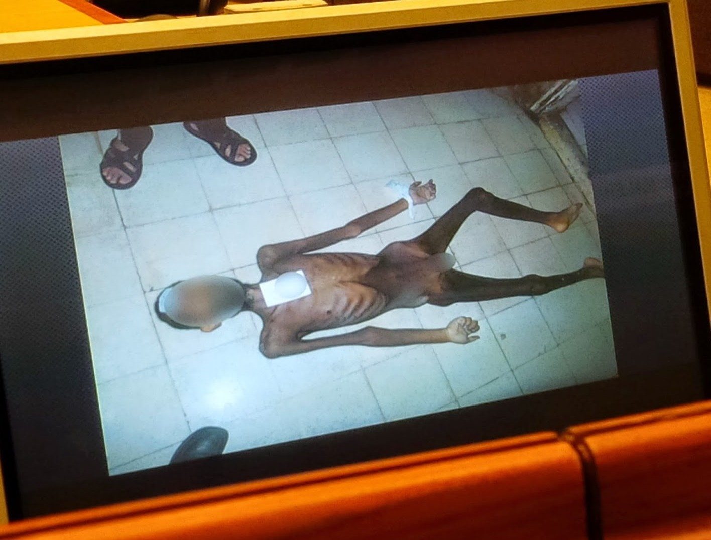 Siria: immagini scioccanti provano l'utilizzo di armi chimiche come in una linea di produzione