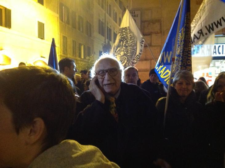 #CharlieHebdo: Salvini predica intolleranza, Pannella in Francia contro razzismi e per la libertà d'espressione
